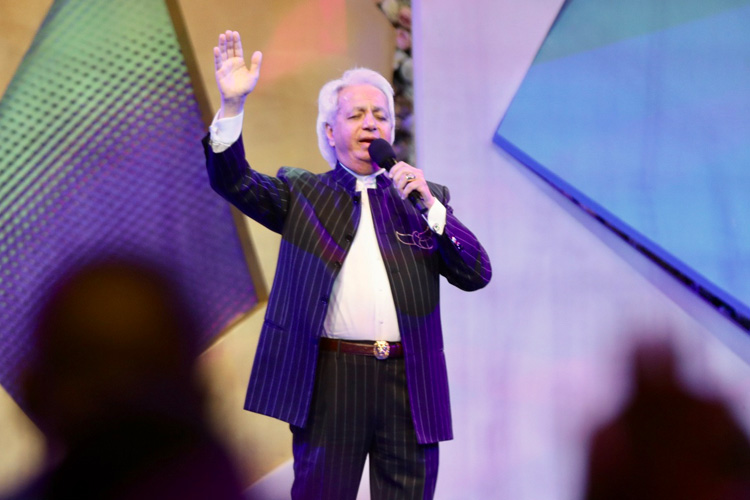 Pastor Chris and Pastor Benny Hinn Speak at Super Sunday in